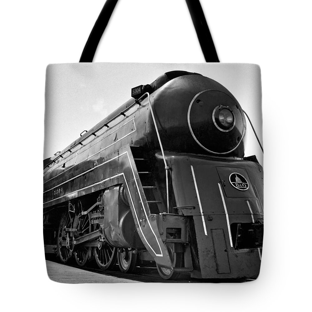 1035-439 Tote Bag featuring the photograph B&o Locomotive, cincinnatian by Underwood Archives