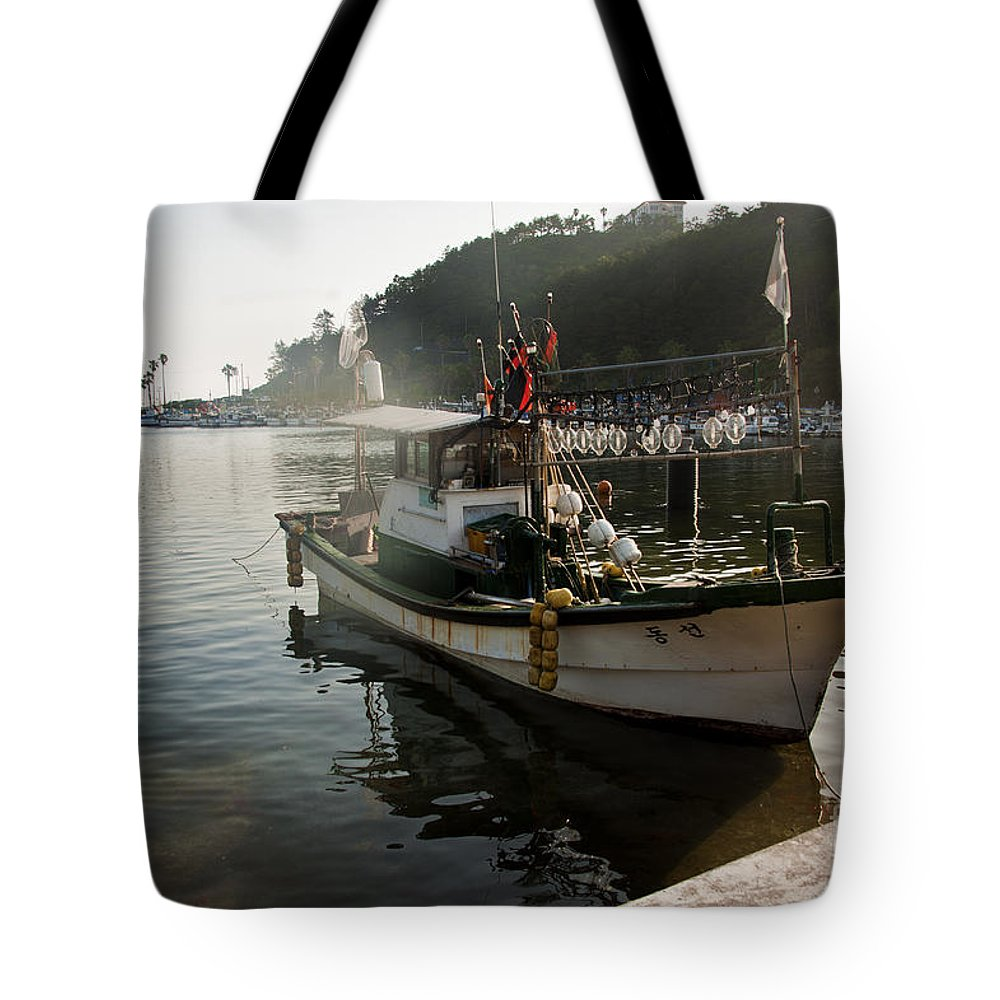 Boat Tote Bag featuring the photograph Boat by Audrey Wilkie