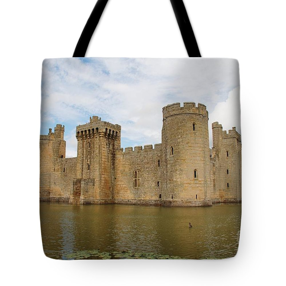 Bodiam Tote Bag featuring the photograph Bodiam Castle by David Fowler
