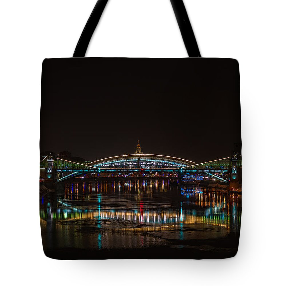 Bogdan Tote Bag featuring the photograph Bogdan Khmelnitsky Bridge Over The Moscow River - Featured 3 by Alexander Senin