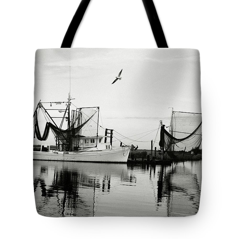 Shrimp Boat Tote Bag featuring the photograph Bon Temps by Scott Pellegrin