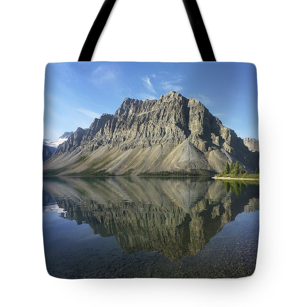 Feb0514 Tote Bag featuring the photograph Bow Lake And Crowfoot Mts Banff by Tim Fitzharris
