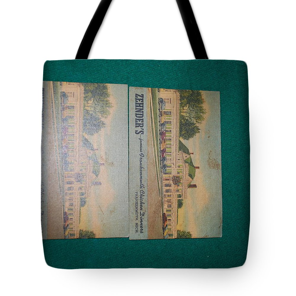 Tote Bag featuring the photograph Boxing by Robert Floyd