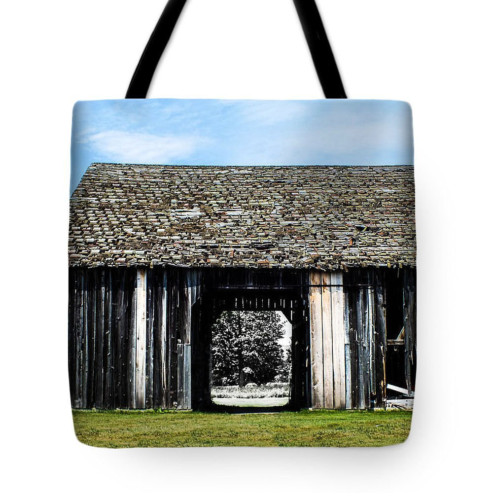 Barn Tote Bag featuring the photograph Boyne Barn by Becky Bunting