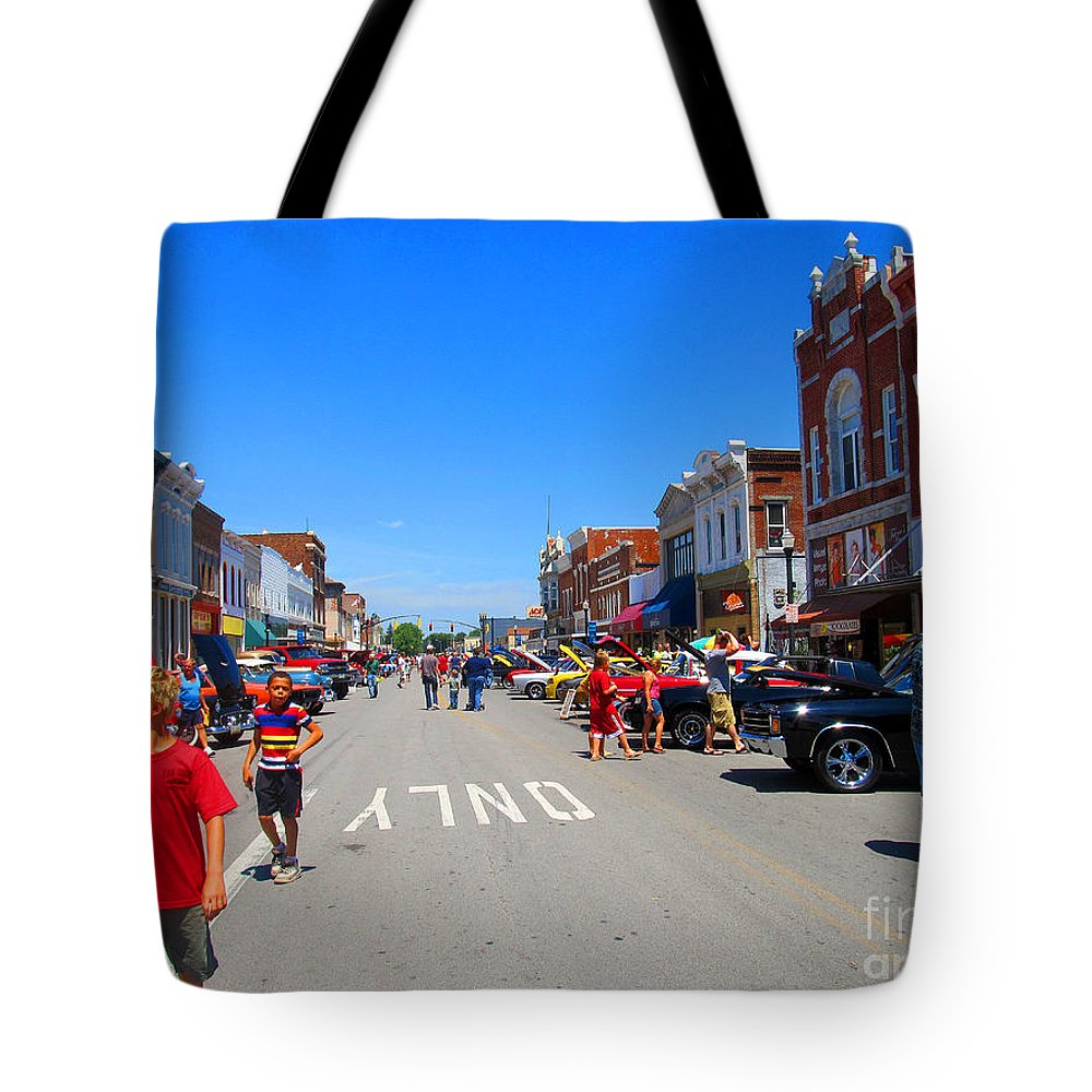 Car Tote Bag featuring the photograph Boys Enjoying The Car Show by Tina M Wenger