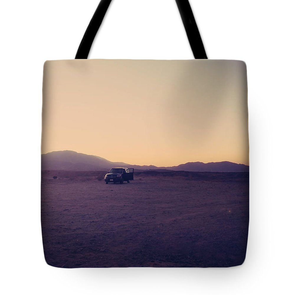Cars Tote Bag featuring the photograph Breakdown by Laurie Search