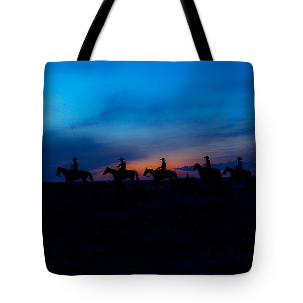 Ranch Tote Bag featuring the photograph Breakin' Daylight by Kelli Brown