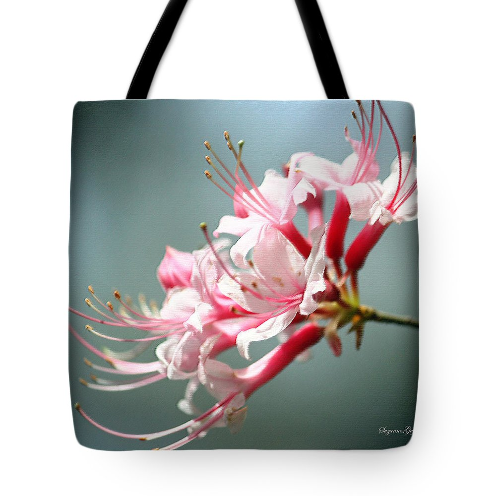 Pastel Tote Bag featuring the photograph Breathtaking Beauty by Suzanne Gaff