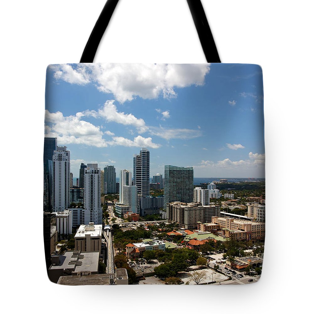 Apartment Tote Bag featuring the photograph Brickell by Jannis Werner