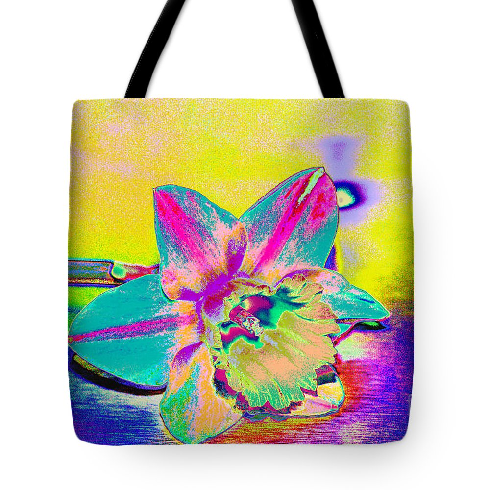 Daff Tote Bag featuring the digital art Bright Daff by Carol Lynch