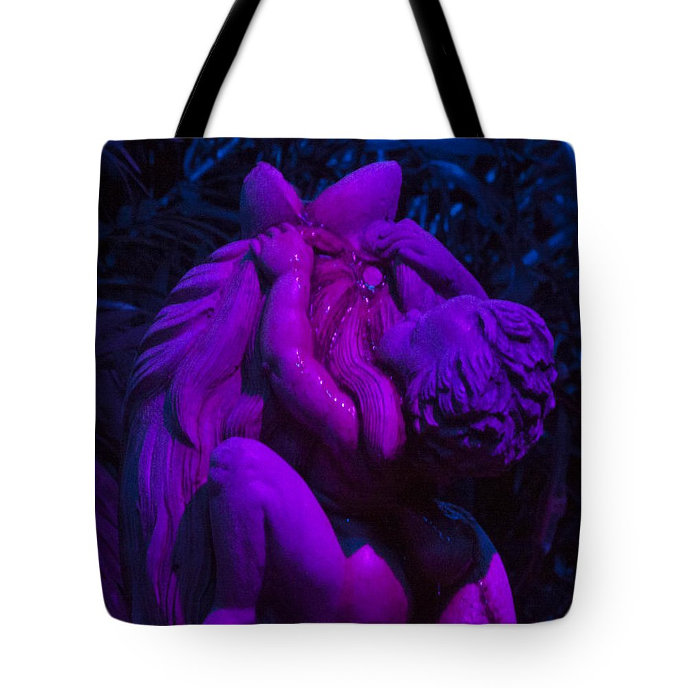 Palm Tote Bag featuring the photograph Bright Purple Cupid by Darleen Stry