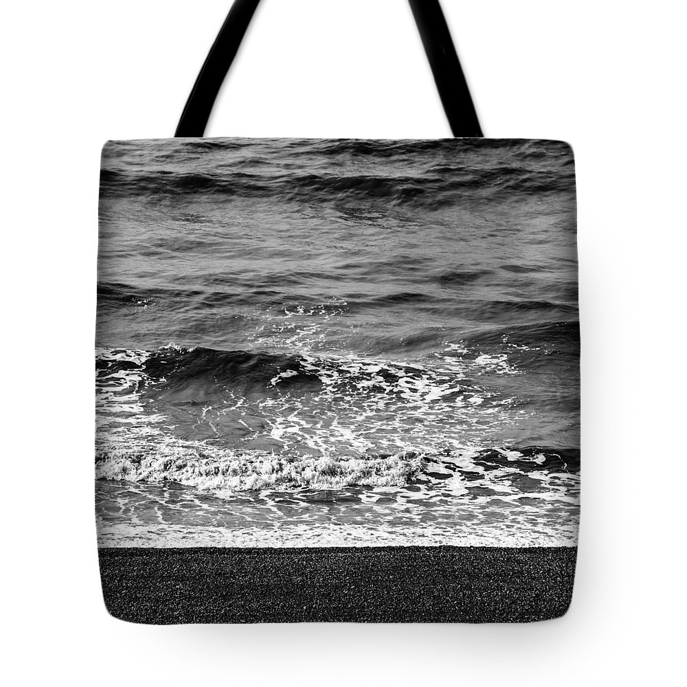 Sea Tote Bag featuring the photograph Brighton Beach by Dutourdumonde Photography