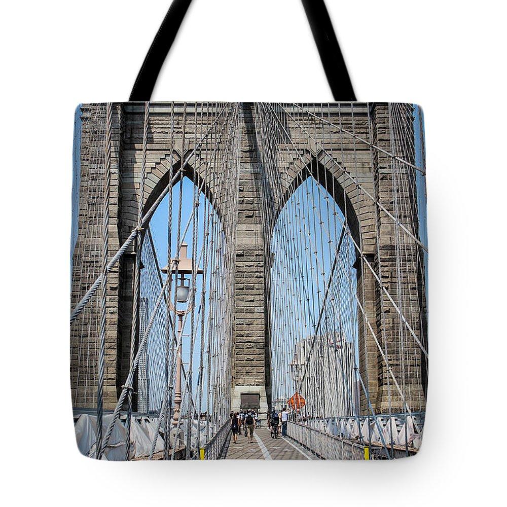 Brooklin Tote Bag featuring the photograph Brooklin Bridge by Sam Garcia