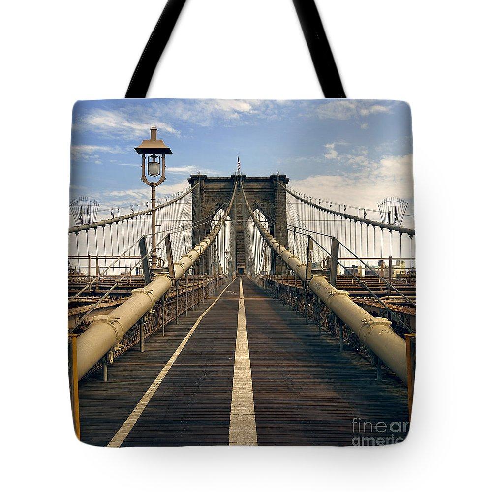 Brooklyn Tote Bag featuring the photograph Brooklyn Bridge by Istvan Kadar