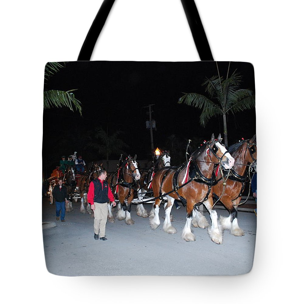 Edison Parade Of Lights Tote Bag featuring the photograph Budwiser Clidsdale Horses by Robert Floyd