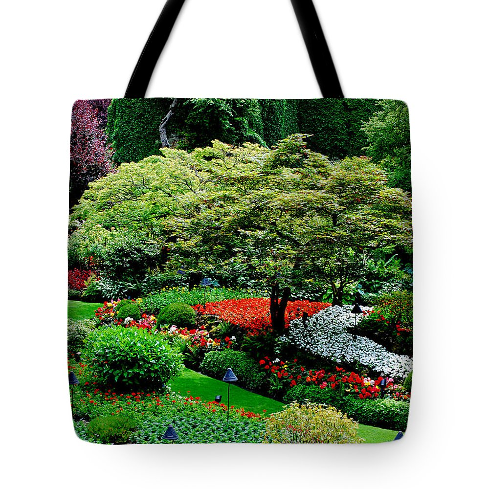 Butchart Gardens Tote Bag featuring the photograph Butchart Gardens by Lisa Phillips
