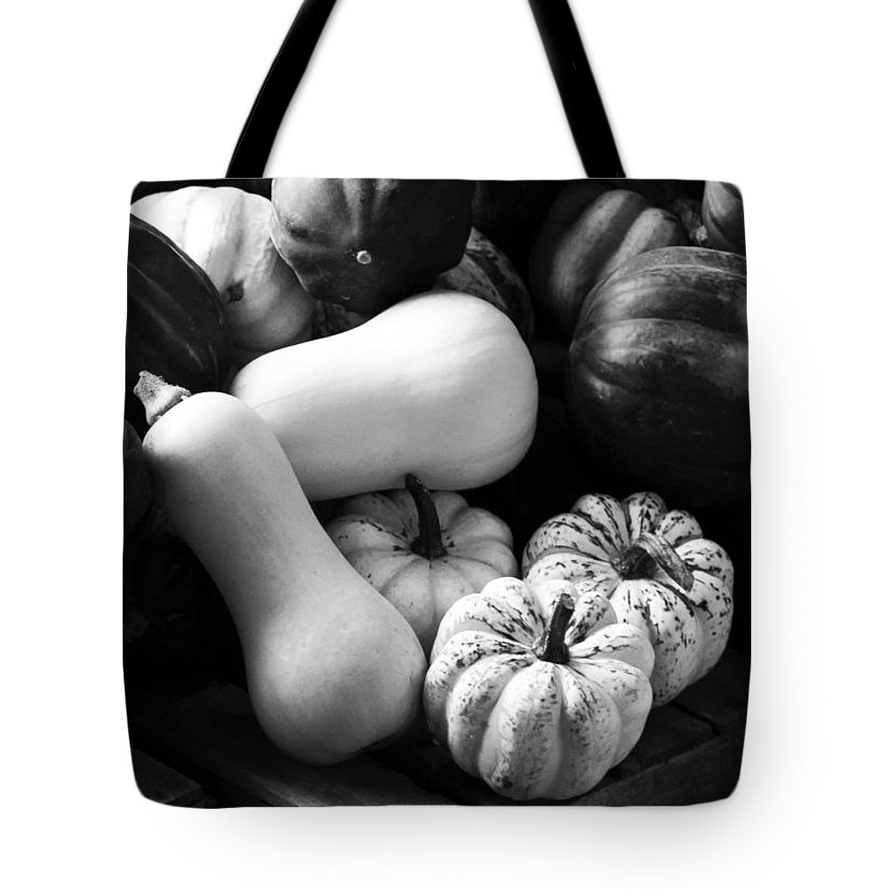 Vertical Tote Bag featuring the photograph Bw Farm Market Acorn Butternut And Carnival Squash Michigan Usa by Sally Rockefeller