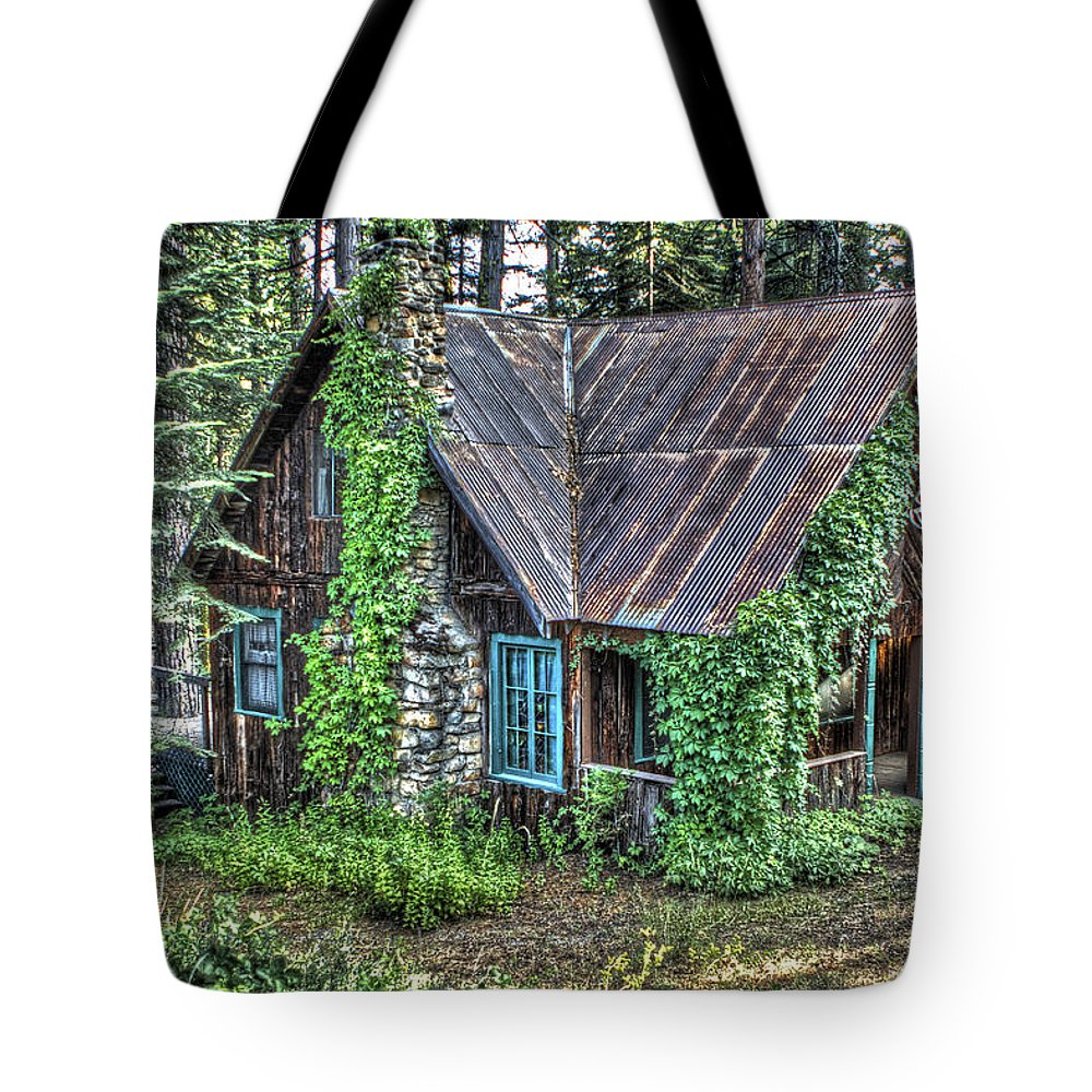 Cabin Tote Bag featuring the photograph Cabin At Cooks Station by SC Heffner