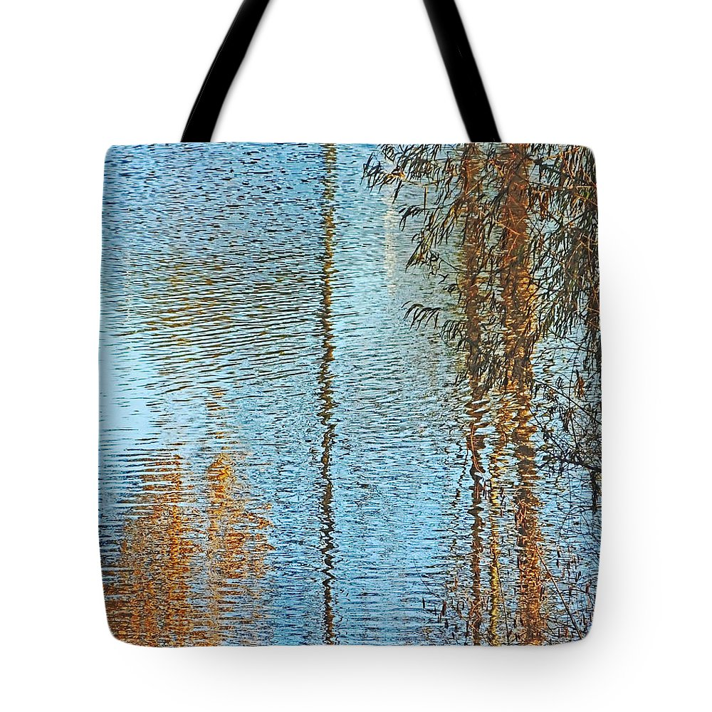 Lake Tote Bag featuring the photograph Capitol Waters by Lizi Beard-Ward