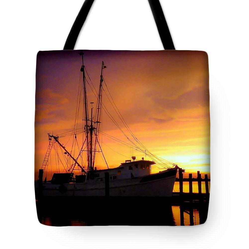 Shrimp Trawlers Tote Bag featuring the photograph Carolina Morning by Karen Wiles