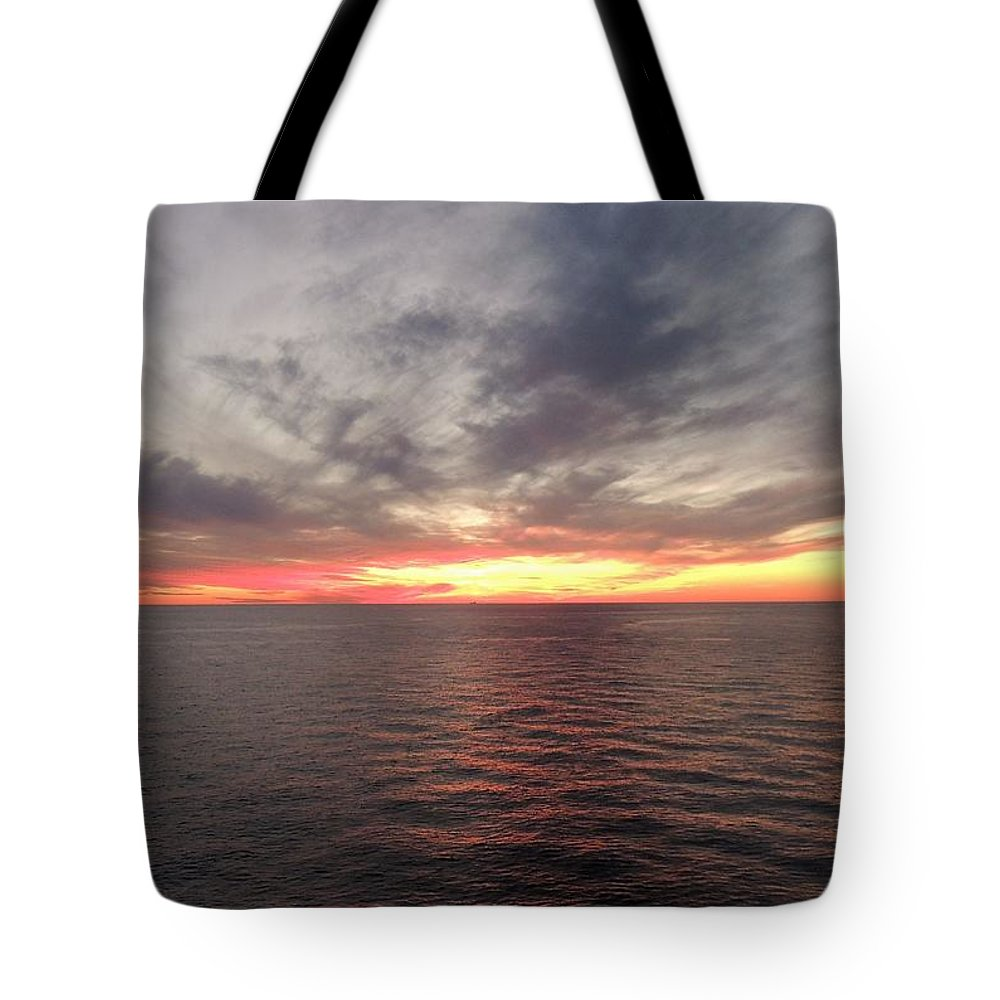 Seascape Tote Bag featuring the photograph Caribbean Sunset by Paul Smith