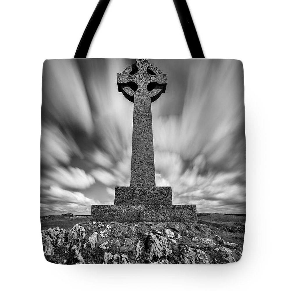 Celtic Cross Tote Bag featuring the photograph Celtic Cross by Dave Bowman
