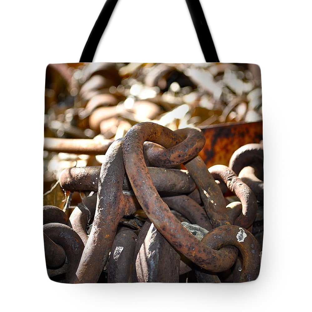 Chain Tote Bag featuring the photograph Chain Picking by Gwyn Newcombe