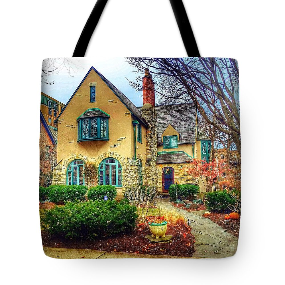 Home Tote Bag featuring the photograph Charming Home by Louis Perlia