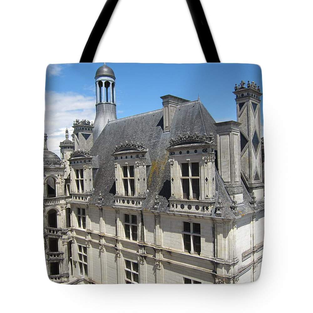 Chateau Tote Bag featuring the photograph Chateau De Chambord by Pema Hou