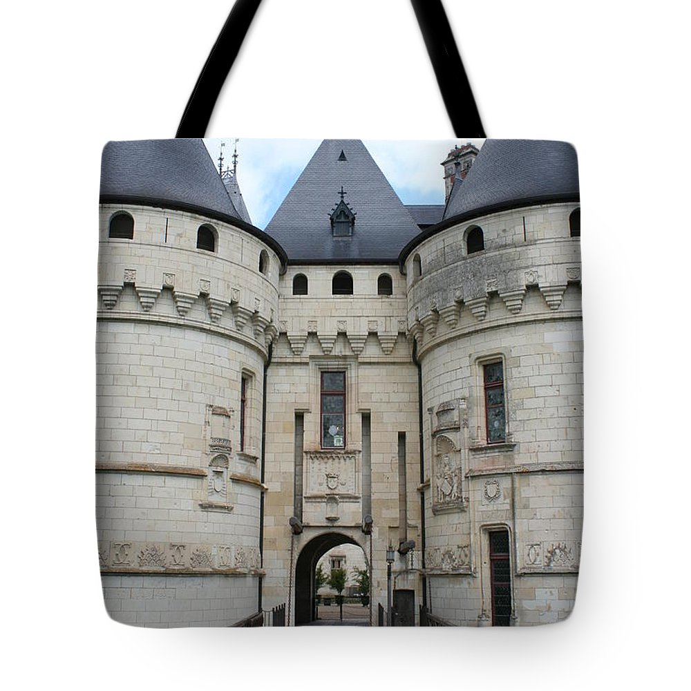 Palace Tote Bag featuring the photograph Chateau De Chaumont - France by Christiane Schulze Art And Photography