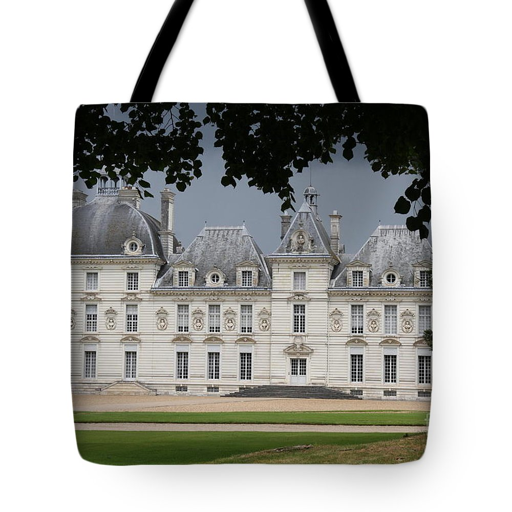 Palace Tote Bag featuring the photograph Chateau De Cheverny - France by Christiane Schulze Art And Photography
