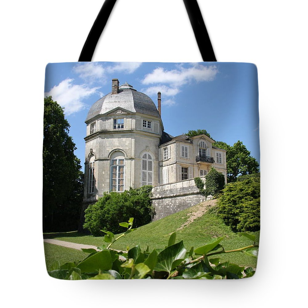 Castle Tote Bag featuring the photograph Chateauneuf-sur-loire by Christiane Schulze Art And Photography
