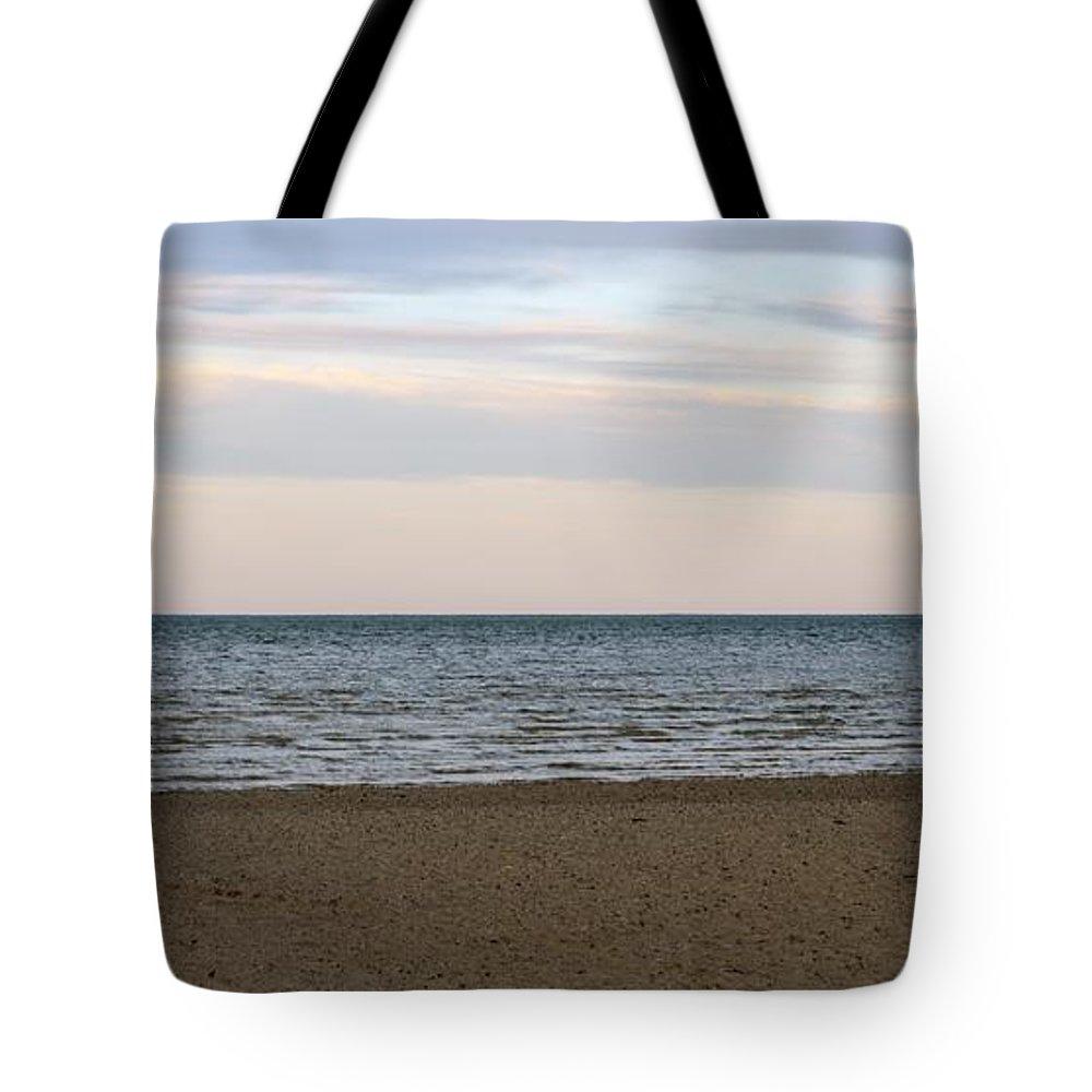 Cheboygan Tote Bag featuring the photograph Cheboygan Pier by Linda Kerkau