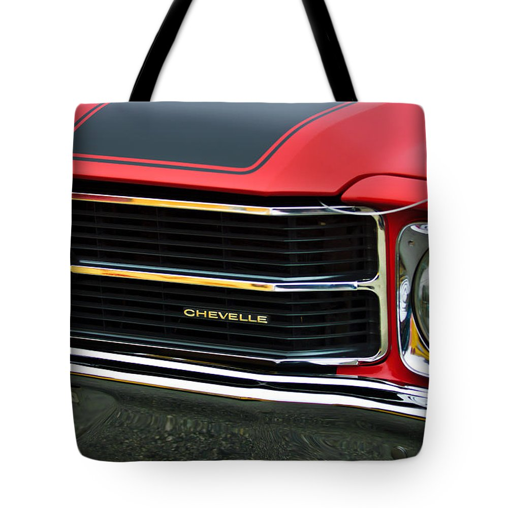 Chevrolet Chevelle Ss Tote Bag featuring the photograph Chevrolet Chevelle Ss Grille Emblem by Jill Reger
