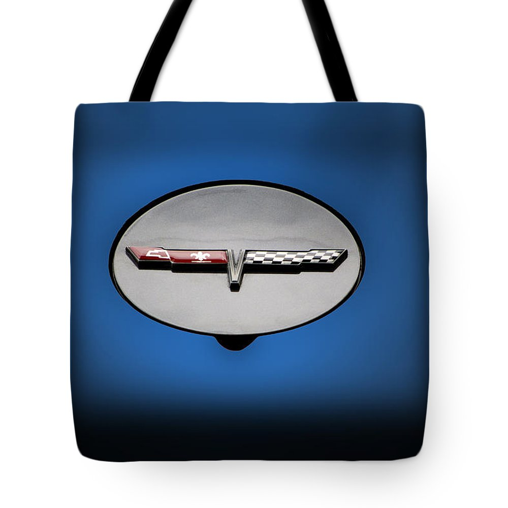 Transportation Tote Bag featuring the photograph Chevy Vet Gas Cap Emblem by Thomas Woolworth
