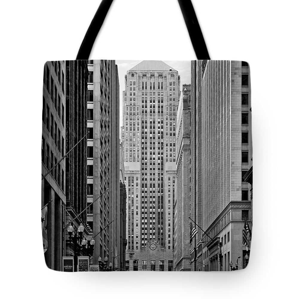Cbot Tote Bag featuring the photograph Chicago Board Of Trade by Christine Till