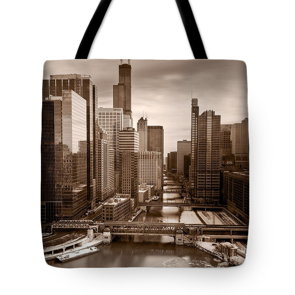 Train Tote Bag featuring the photograph Chicago City View Afternoon B And W by Steve Gadomski
