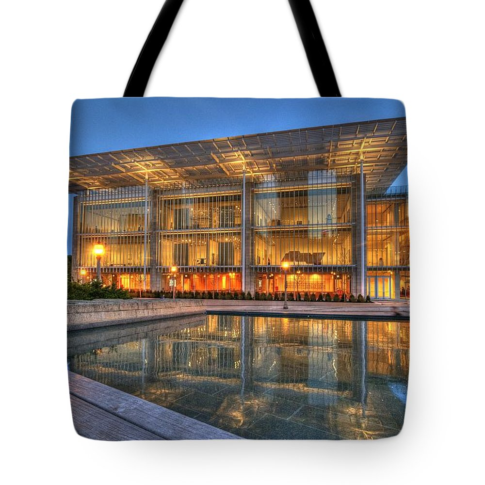 Chicago Tote Bag featuring the photograph Chicago Modern Art Wing by Patrick Warneka