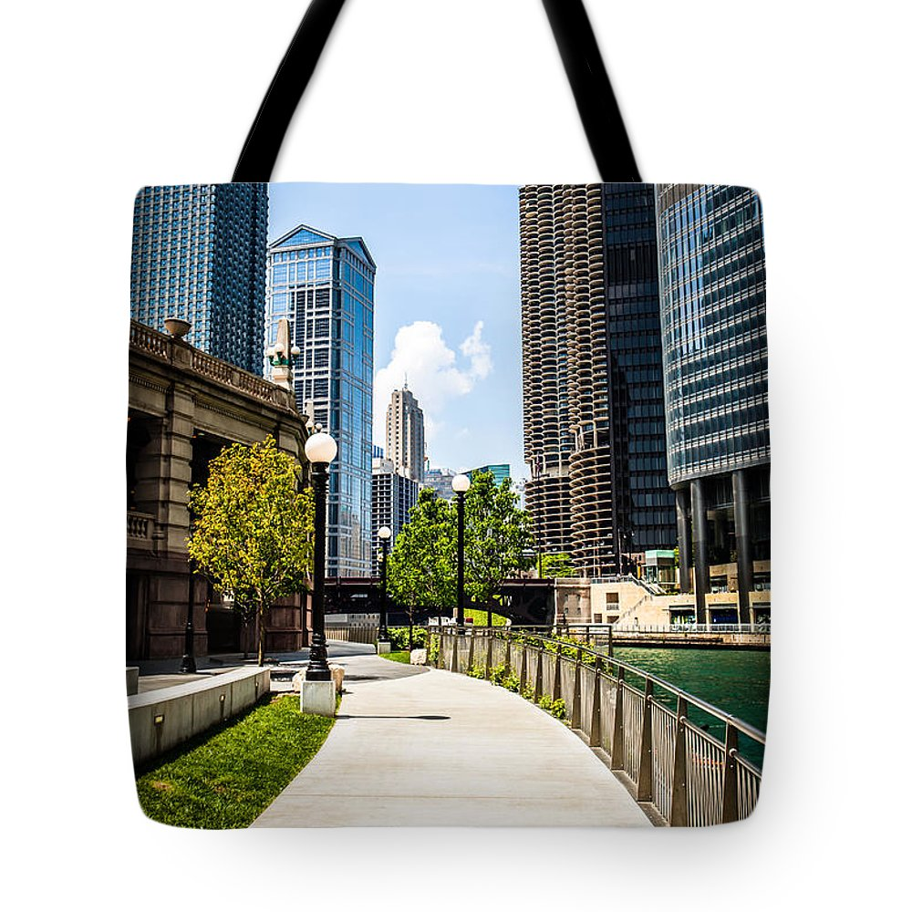 America Tote Bag featuring the photograph Chicago Riverwalk Picture by Paul Velgos