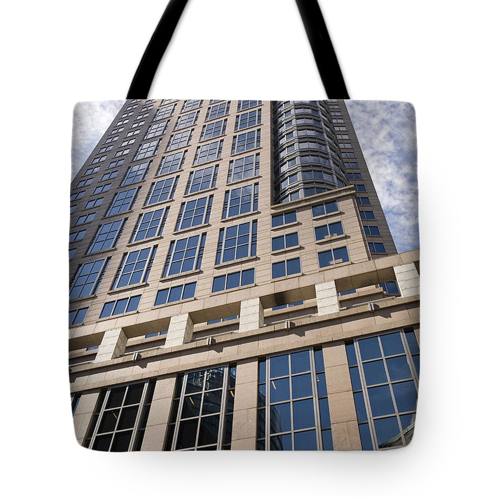 Skyscraper Tote Bag featuring the photograph Chifley Tower Officce Building In Sydney by Martin Berry
