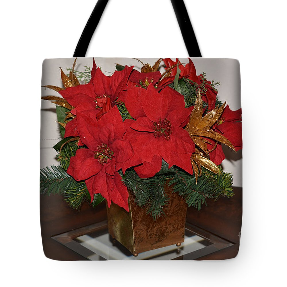 Christmas Centerpiece Print Tote Bag featuring the photograph Christmas Centerpiece by Ruth Housley