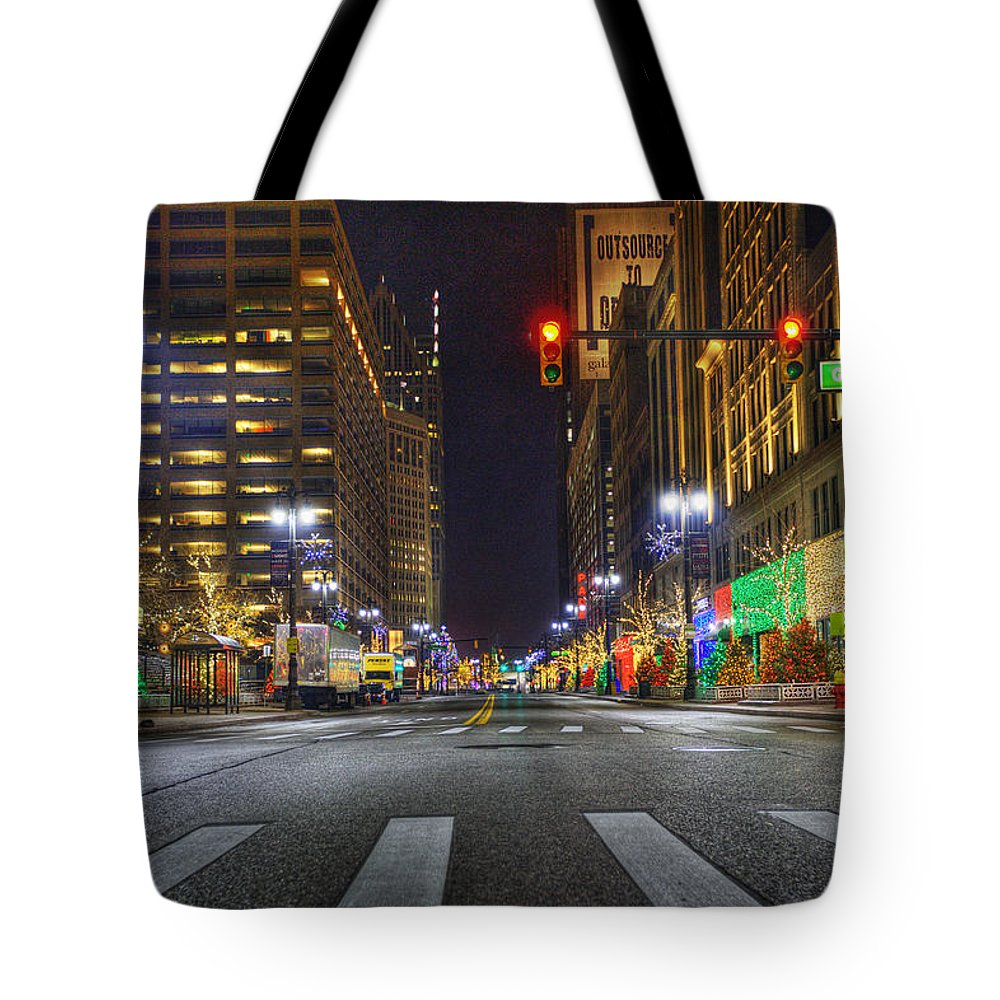 King Kong Tote Bag featuring the photograph Christmas On Woodward by Nicholas Grunas