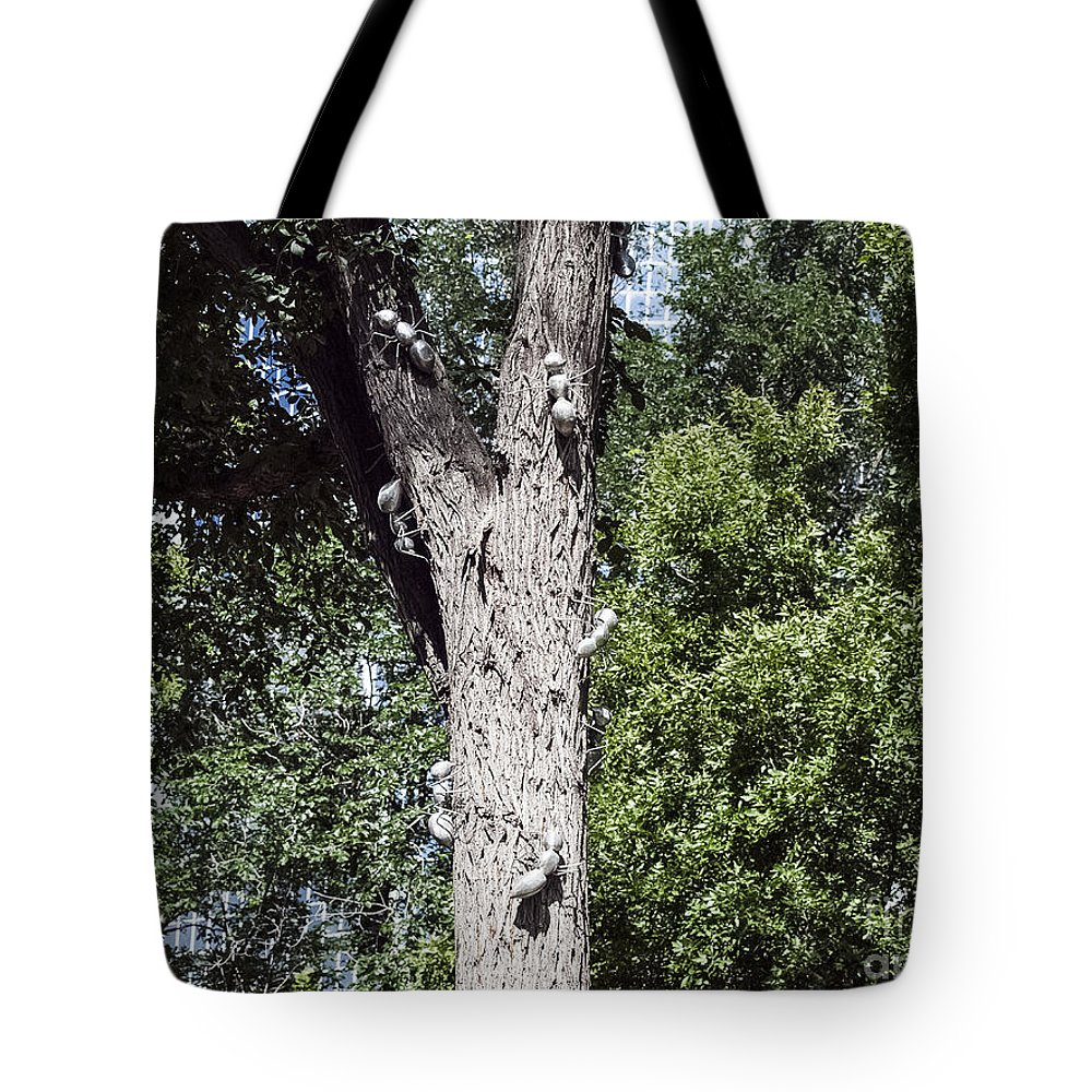 Urban Sculpture Tote Bag featuring the photograph City Center -50 by David Fabian