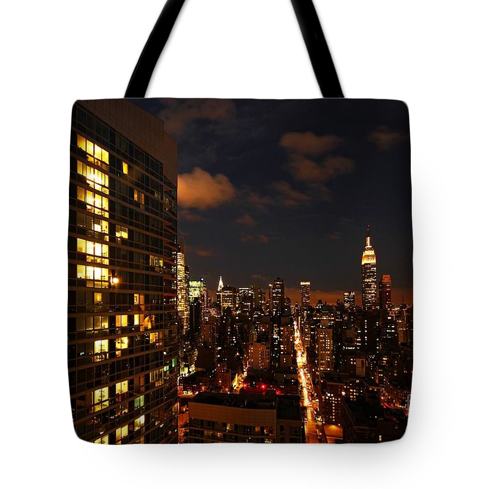 New York Tote Bag featuring the photograph City Living by Andrew Paranavitana