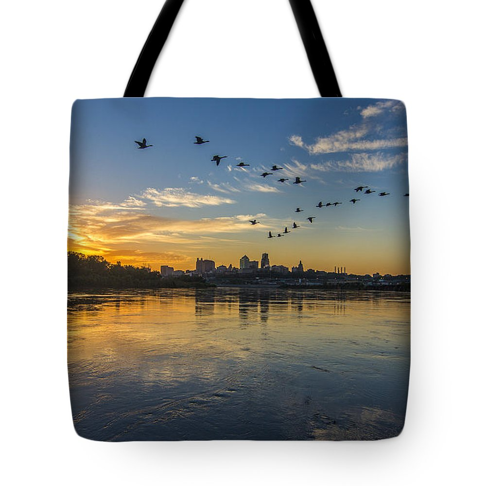 Kansas City Tote Bag featuring the photograph City Wakes by Ken Kobe