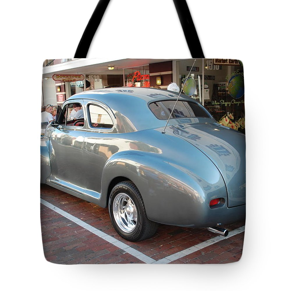 Downtown Ft.myers Tote Bag featuring the photograph Classic Custom Coupe by Robert Floyd