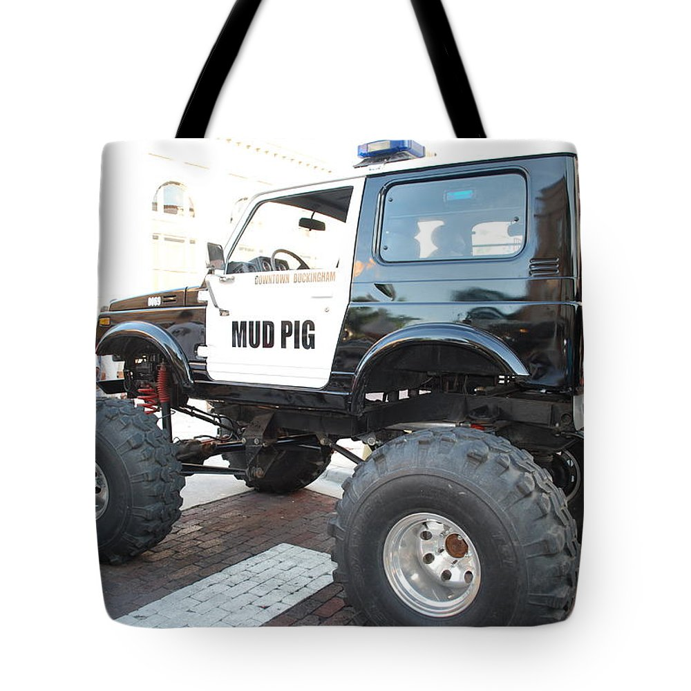 Downtown Ft.myers Tote Bag featuring the photograph Classic Custom Jeep by Robert Floyd