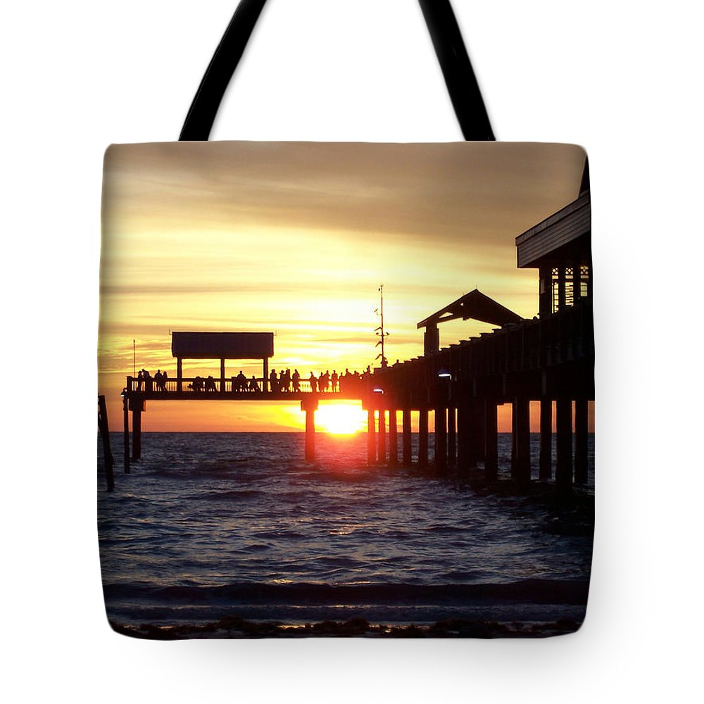 Clearwater Tote Bag featuring the photograph Clearwater Beach Pier by David T Wilkinson