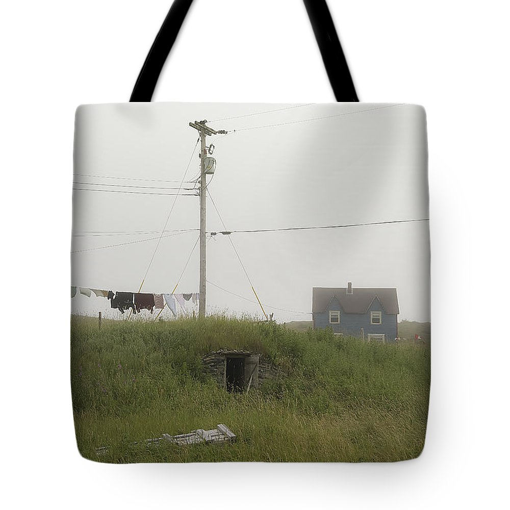 Elliston Tote Bag featuring the photograph Clothes Line And Fog by David Stone