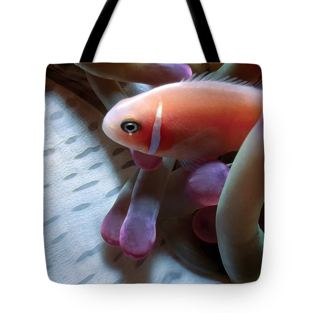 Micronesia Tote Bag featuring the photograph Clownfish 17 by Dawn Eshelman